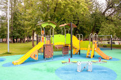 Спортивная площадка для образования ` s забавных игр и детей Стоковое Фото