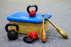 Спортивный инвентарь - тренировка - гимнастика стоковое фото rf