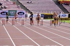 Спортсмены бежать барьеры 400 метров в чемпионате мира U20 IAAF в Тампере, Финляндии 11-ое июля 2018 стоковые изображения rf