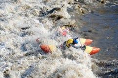 Спортсмены воды в пороге Стоковая Фотография RF