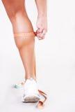 спортсмен измерений икр Стоковое Фото