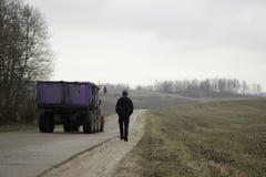 Спортсмен mooving прочь на шоссе Стоковое фото RF