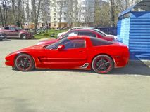 спорты автомобиля роскошные красные красный цвет chevrolet классический corvette автомобиля стоковые изображения rf