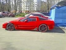спорты автомобиля роскошные красные красный цвет chevrolet классический corvette автомобиля стоковое фото rf