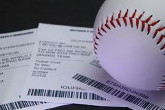 Спорт держать пари на бейсболе стоковые фото