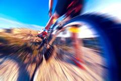 Спорт и здоровая жизнь Предпосылка горного велосипеда и ландшафта Стоковое Изображение RF