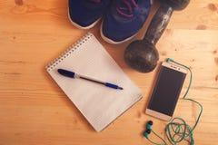 Спорт и предпосылка оборудования фитнеса Стоковые Фото