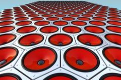 справьтесь стена много самомоднейшей красной дикторов Стоковые Фотографии RF
