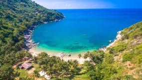 Спрятанный пляж рая в Пхукете Стоковое Изображение RF