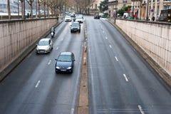 Спуск к тоннелю дороги Стоковая Фотография