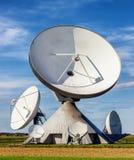Спутниковая антенна-тарелка - радиотелескоп Стоковое фото RF