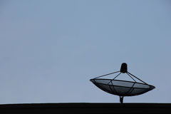Спутниковая антенна-тарелка Стоковые Изображения