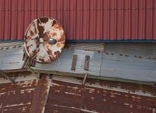 спутник тарелки старый стоковое изображение rf