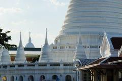 Сплавливание Европы Таиланда в Wat Prayoon Wongsawat стоковое изображение rf