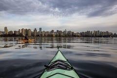 Сплавляться в Ванкувере к центру города стоковая фотография rf