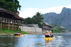 Сплавляться на реке песни Nam Vang Vieng Лаос Стоковое Изображение