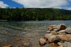 Сплавляться на ясном холодном озере Стоковое фото RF