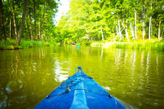 Сплавляться одичалым рекой в Польше (река Omulew) Стоковое фото RF