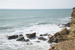 Средиземное море с горной породой стоковое фото rf