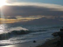 Средиземное море с горой Этна стоковые изображения rf