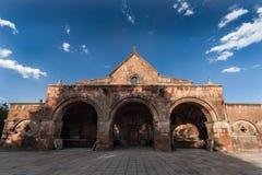 Средневековая армянская церковь, вид спереди стоковые изображения