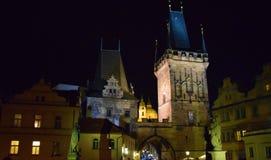 Средневековая башня в ночи стоковое фото