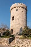 Средневековая башня cit Cres на солнечном утре стоковое фото
