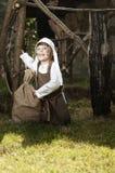 Средневековая девушка стиля Стоковые Фотографии RF