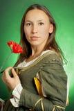 Средневековая женщина в зеленом платье Стоковые Изображения