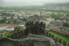 Средневековая крепость в Bellizona, Швейцарии стоковое изображение