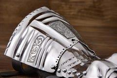 Средневековая перчатка металла, деталь части старого панцыря Стоковое Изображение