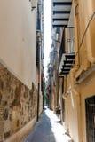 Средневековая улица в старой части Палермо стоковые изображения