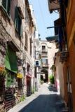 Средневековая улица в старой части Палермо стоковая фотография rf