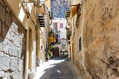 Средневековая улица в старой части Палермо стоковое изображение rf