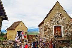 Средневековая цитадель Трансильвания Румыния Râşnov туристической достопримечательности деревни стоковые фотографии rf