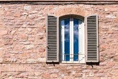 Средневековое окно стены Стоковая Фотография RF