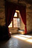 средневековое окно Стоковые Изображения RF