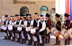 Средневековые одетьнные музыканты, Sansepolcro, Италия Стоковая Фотография RF