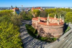 Средневековый барбакан в Кракове, Польша стоковое изображение