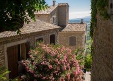 Средневековый городок вершины холма Gordes Провансаль стоковое фото rf