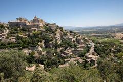 Средневековый городок вершины холма Gordes Провансаль стоковая фотография rf