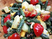 Среднеземноморской салат зеленых фасолей стоковая фотография