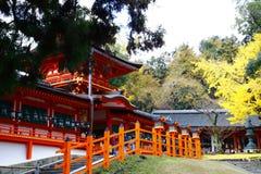 Средние строб и зала Kasuga-taisha стоковые изображения