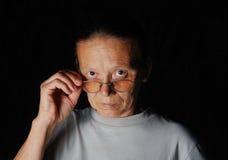 Средняя постаретая женщина стоковое изображение