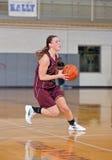 средняя школа девушок баскетбола Стоковое Фото