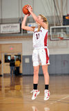 средняя школа девушок баскетбола Стоковая Фотография