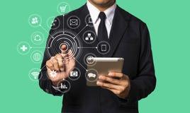 Средства массовой информации маркетинга цифров в виртуальном экране Бизнес стоковая фотография