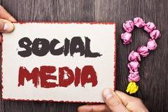 Средства массовой информации Social текста сочинительства слова Концепция дела для социетального общины доли послания болтовни св стоковые изображения rf