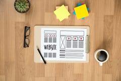 Средства массовой информации WW программного обеспечения чертежа эскиза плана деятельности вебсайта дизайнерские Стоковая Фотография RF