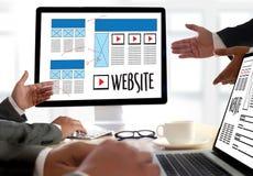 Средства массовой информации WWW программного обеспечения чертежа эскиза плана веб-дизайна и график Стоковая Фотография RF